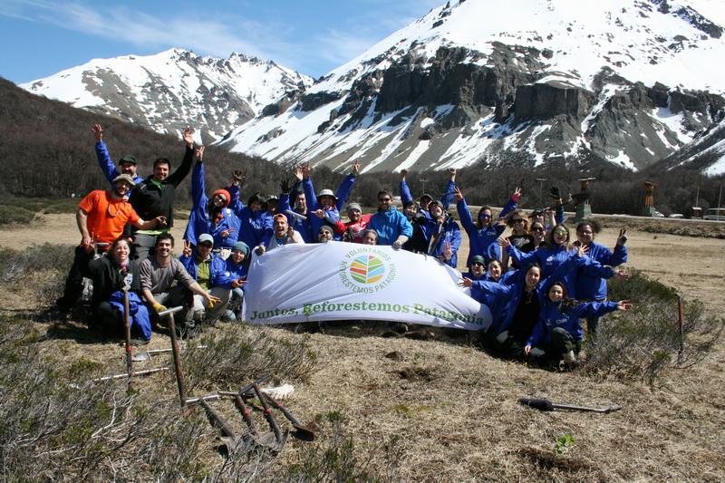 The Reforestemos Patagonia team
