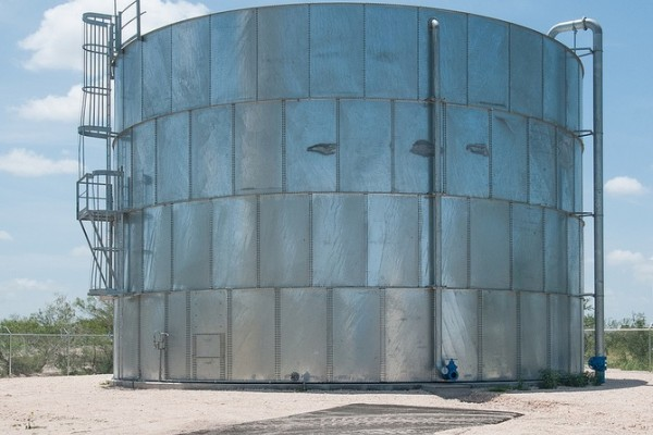 Water holding tank